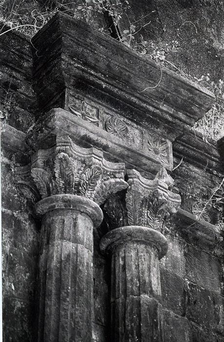Bassein Fort: Columns