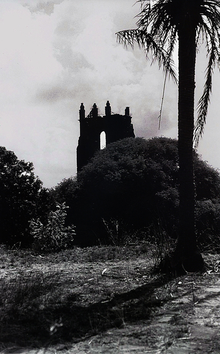 Bassein Fort: Shadow On The Ground